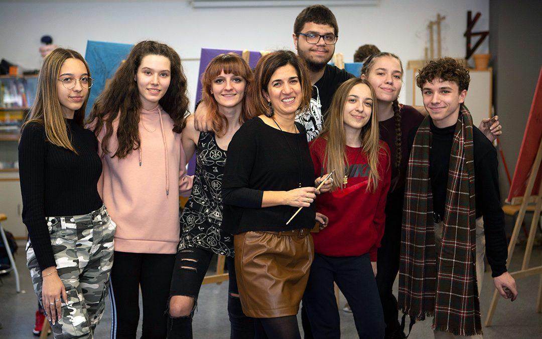 Ya puedes solicitar la beca de la Comunidad de Madrid para estudiar Bachillerato en Hélicon