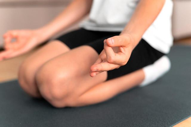Colegio Hélicon - Extraescolares - Yoga